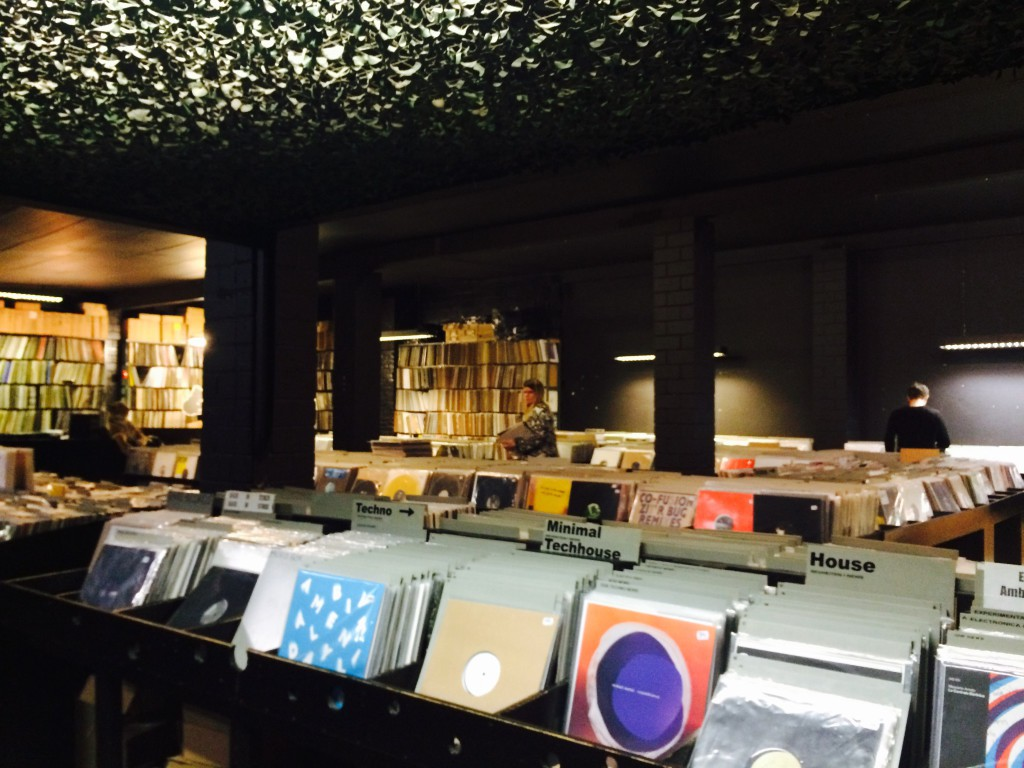 Die Besten Vinyl Shops Berlins : Space Hall Berlin