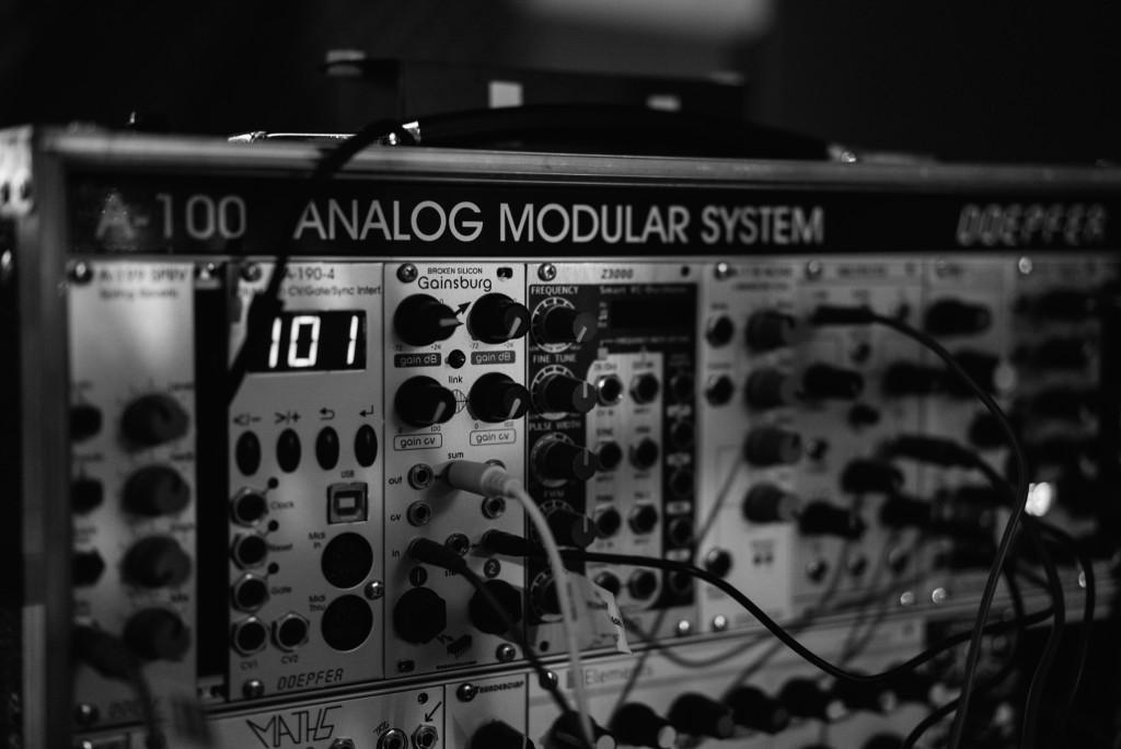 eurorack modular synthesizer basics georg stuby. Black Bedroom Furniture Sets. Home Design Ideas